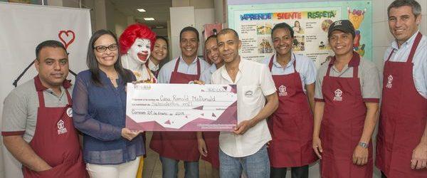 Casa Ronald McDonald venezuela recibió donativo del programa sonríe a la vida de Unicasa