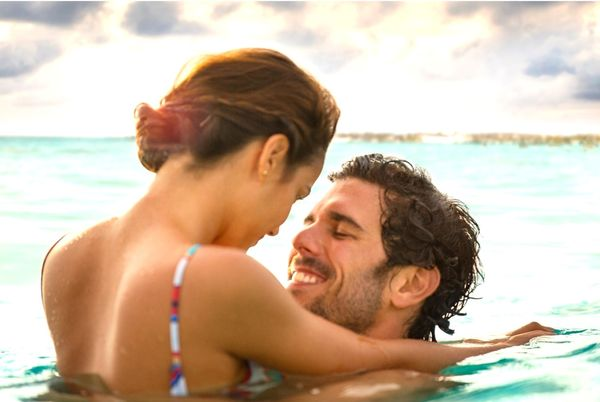 MSC Noticias - Couple-being-romantic Proa Com Turismo