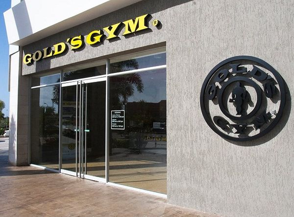 MSC Noticias - e26_Golds_Gym_Margarita_entrada Comstat Rowland Coronavirus